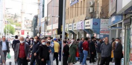 Maskesiz sokağa çıkılamayan il sayısı 26'ya yükseldi